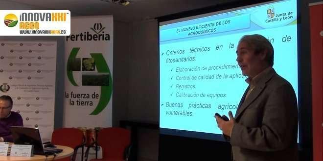 caballero dando una ponencia sobre fitosanitarios y fertilizantes COITA